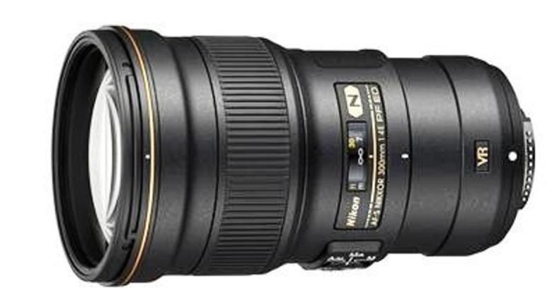 Nikkor 300mm f/4E PF ED VR: World's lightest 300mm lens