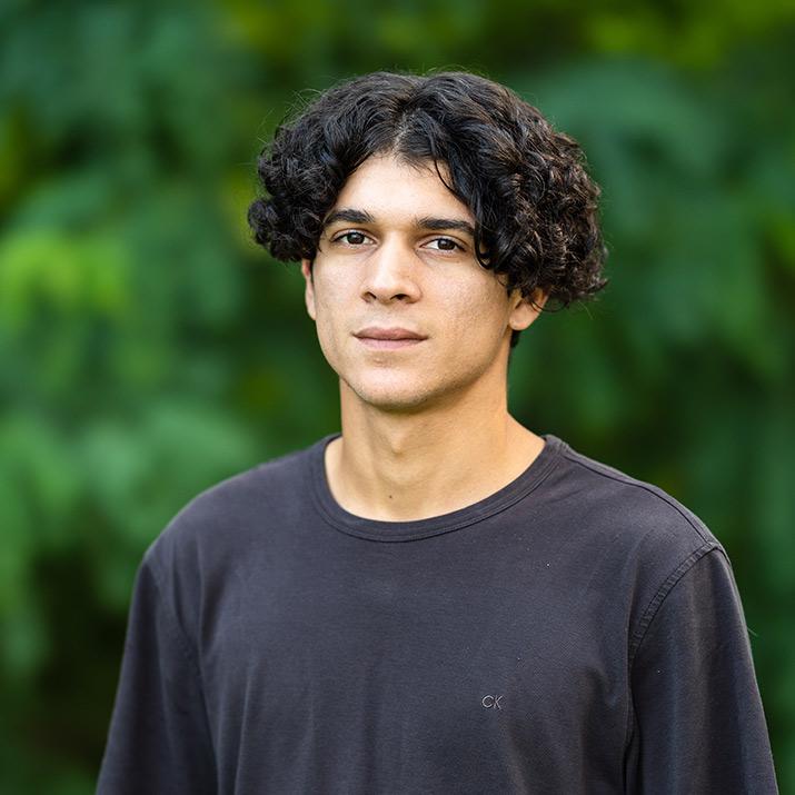 Pablo Estevez - Customer Service