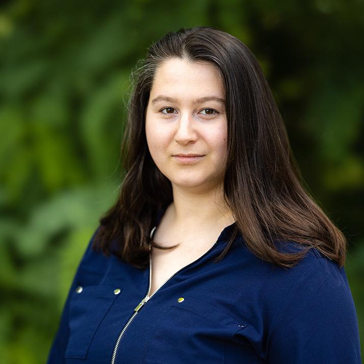 Stephanie Schwiederek - Customer Service