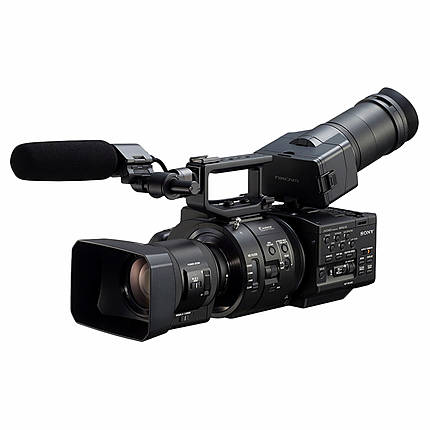 Used Sony FS-700R With 18-200MM PZ F/3.5-6.3 and ECM-XM1 Mic - Good